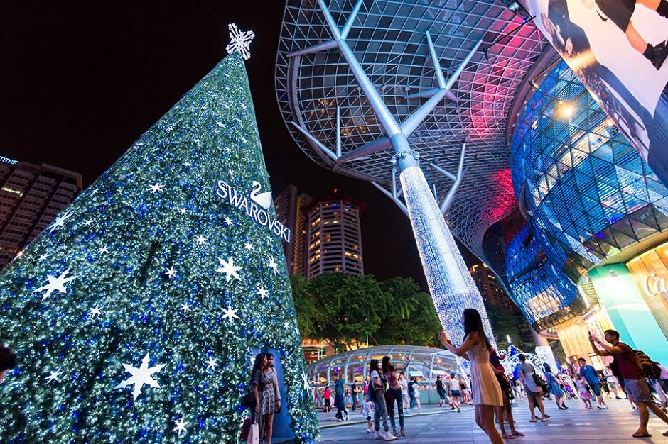 custom-giant-christmas-tree-data